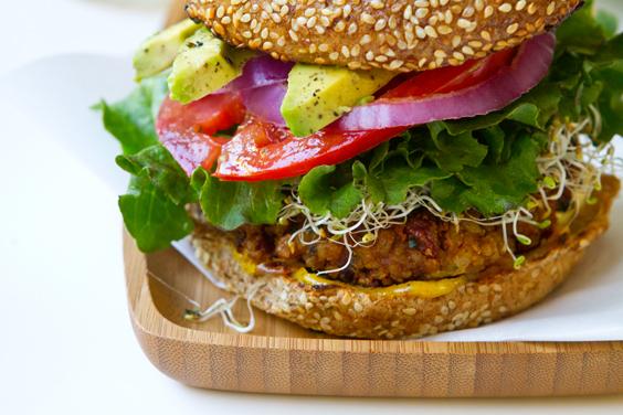 spicy-chili-burgers-vegan-28